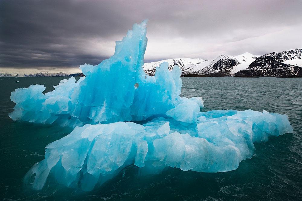 Blue drift ice